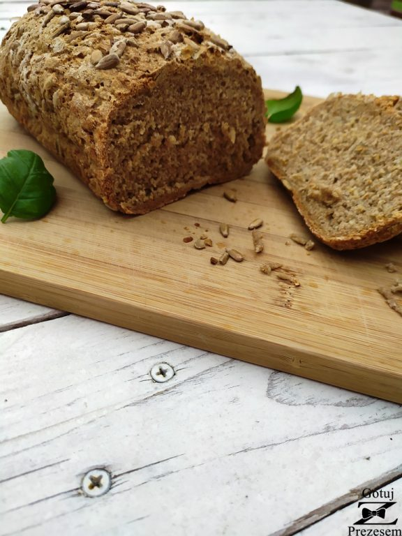 chleb pełnoziarnisty 1