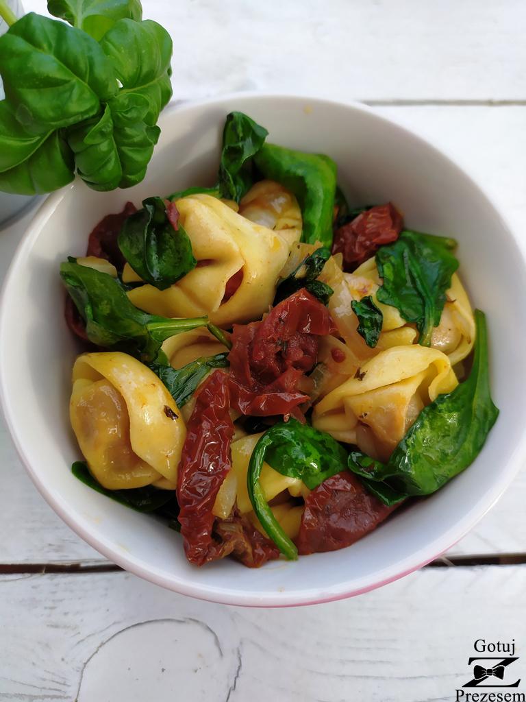tortellini z suszonymi pomidorami 2
