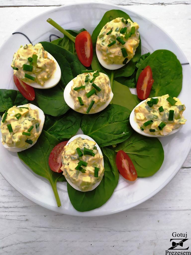 jajka z awokado 2