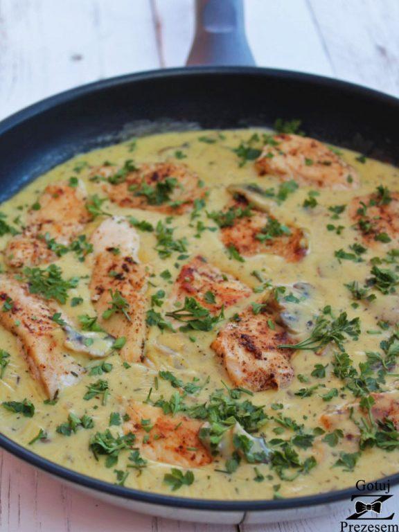 kurczak w sosie serowym z pieczarkami 1