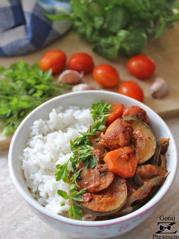 gulasz warzywny z kurczakiem 1